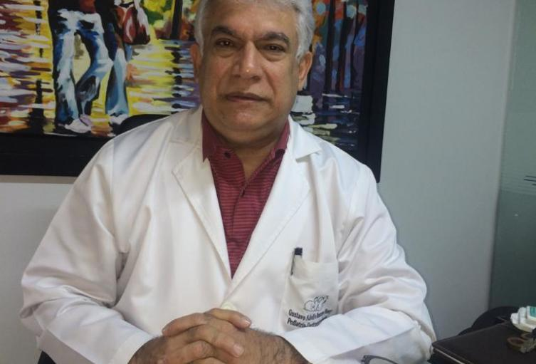 Gustavo Romero, médico pediatra