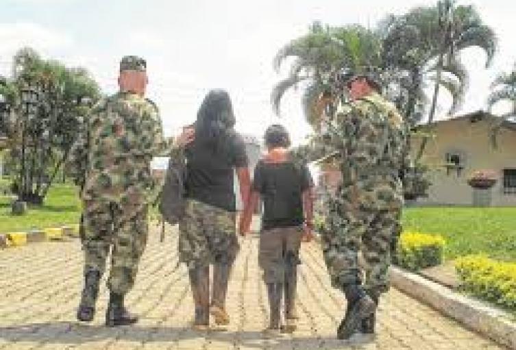 Según la líder, las familias asustadas aseguran  que los menores esta siendo llevados con la promesa de pago de mensualidad