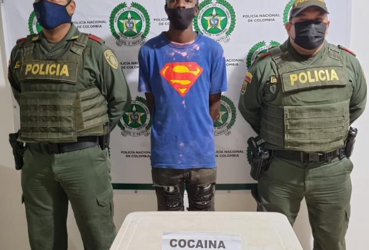 Se encontraron pequeñas bolsas que contenían en su interior base de coca