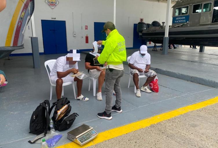 En un velero de bandera panameña, pretendían sacar media tonelada de cocaína en Cartagena