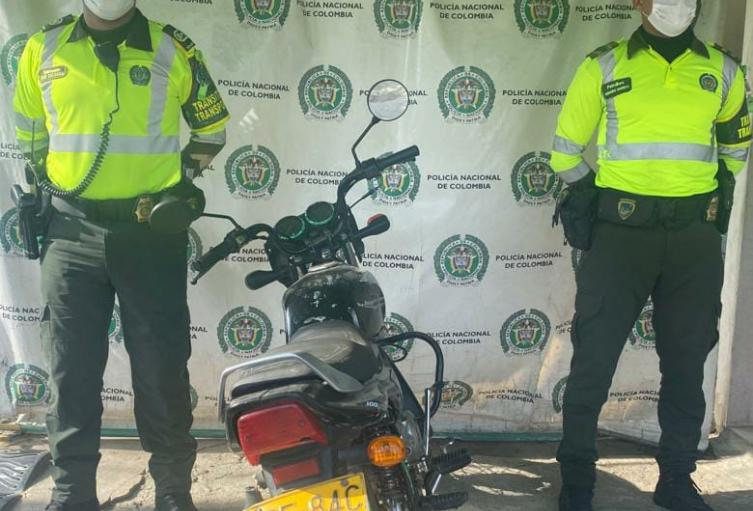 La moto fue encontrada en una zona boscosa de los alcatraces