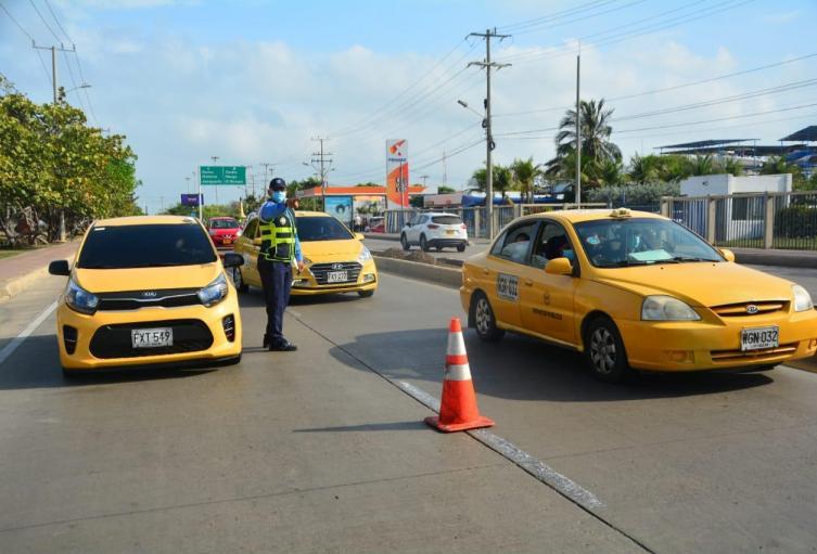 Decreto de tarifas de taxis fue corregido