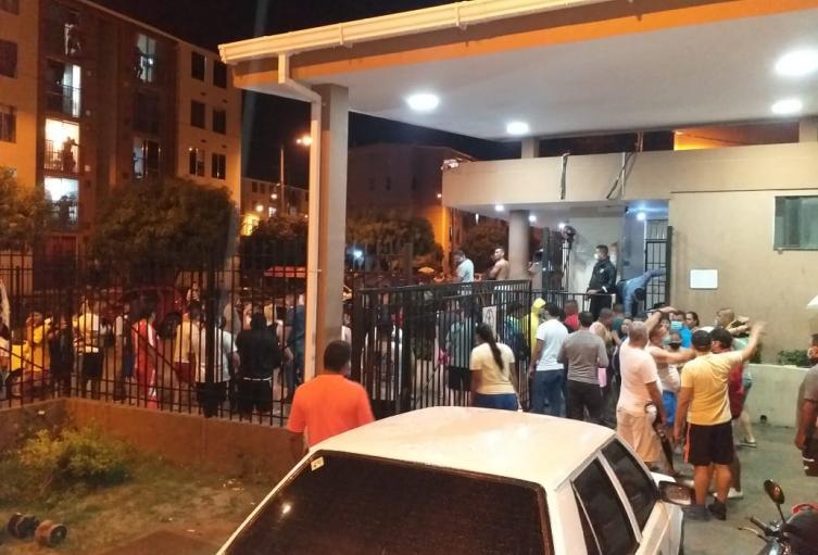 Varios barrios de Santa Marta se han visto afectados por la turba de personas haciendo saqueos y vandalizando conjuntos cerrados