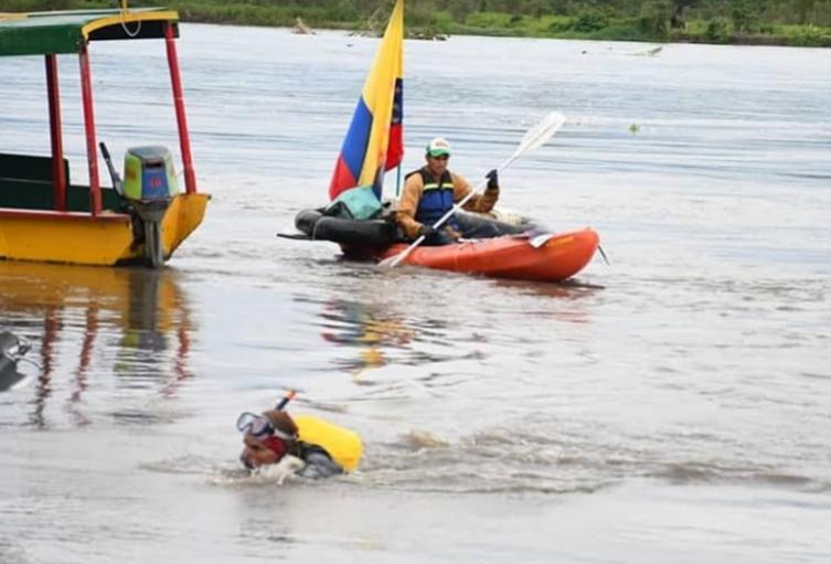 Fraylejon durante su recorrido por el río Magdalena