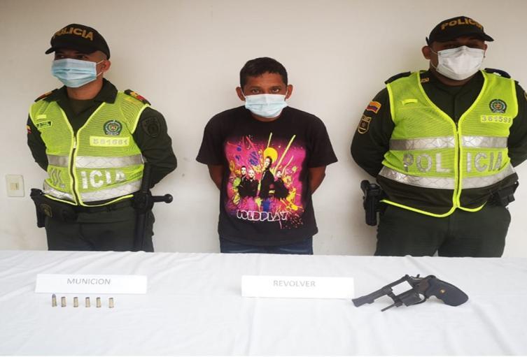 Delitos de homicidio y fabricación, tráfico y/o porte de armas de fuego
