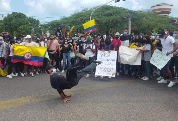 Jóvenes en Riohacha se tomaron las calles de la ciudad