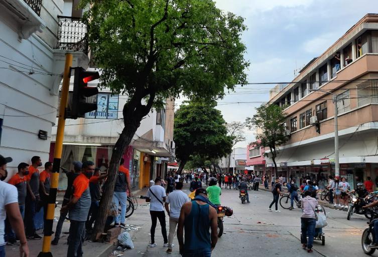 Jóvenes lideraron protesta en el centro histórico de Santa Marta