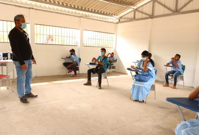 26 aulas fueron construidas en 8 centros etnoeducativos