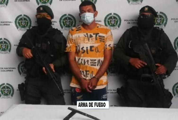 Por el delito de porte ilegal de armas fue capturado un presunto delincuente conocido como el Tito'