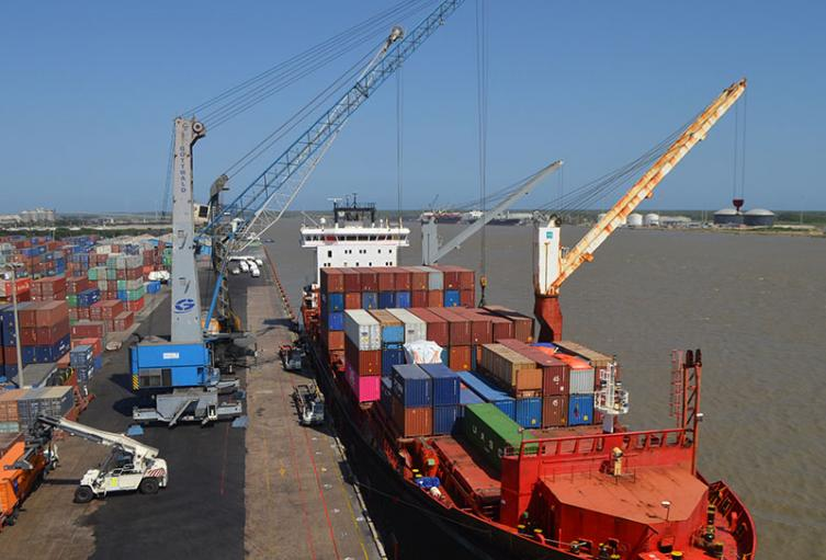 Puerto de Barranquilla reactiva operaciones tras emergencia por encallamiento de buque