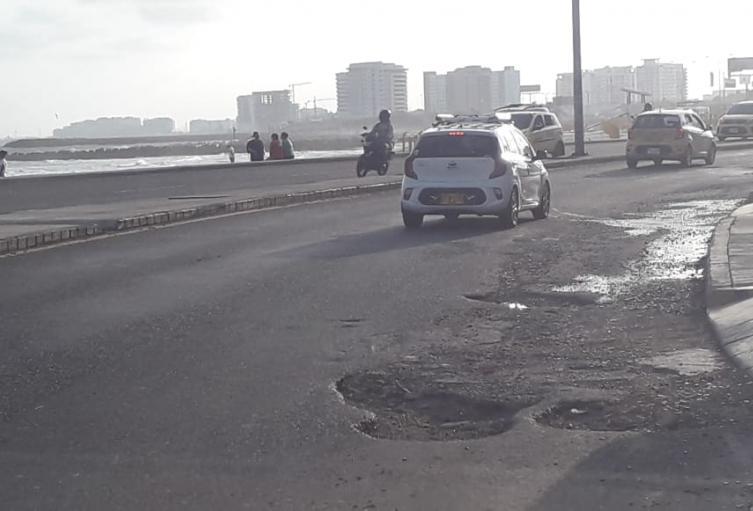 Huecos de la Avenida Santander en Cartagena