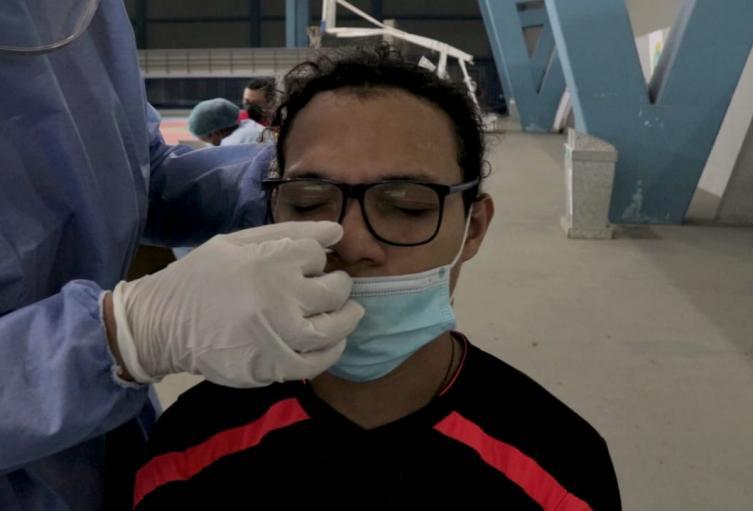 Deportistas realizan testeo de prueba COVID 19 en Cartagena