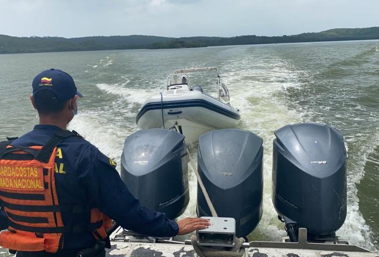 Frustran robo de un bote en mar abierto en Cartagena