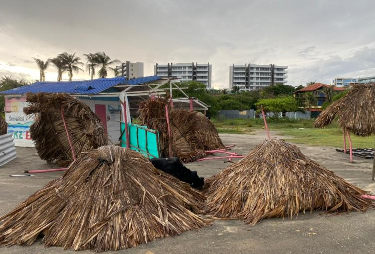 Casetas afectadas en Puerto Colombia tras la fuerte lluvia