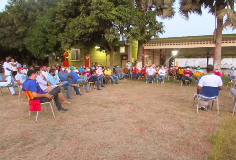La reunión se realizó para apoyar a los cultivadores de arroz