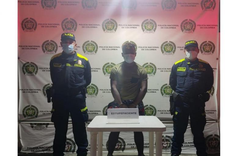 Le hallaron en su poder (10) bolsas de base de coca