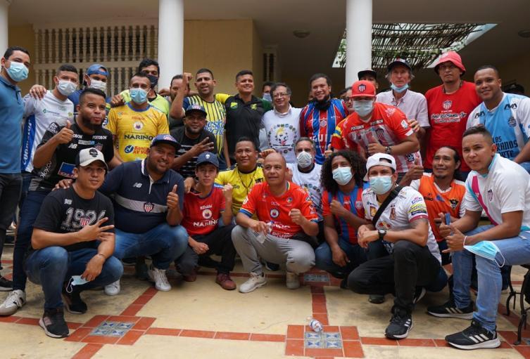 Jóvenes barristas de todo el país viajaron a Barranquilla para presentar el proyecto de ley.