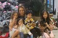 Sandra Barrios e hijos
