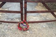 siguen las amenazas contra líderes wayuu, ahora una corona fúnebre fue dejada en la entrada de la comunidad