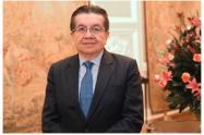 Ministro de Salud  Fernando Ruiz Gómez
