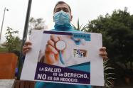 En medio de la pandemia del coronavirus, trabajadores de la salud decidieron reclamar por sus derechos.