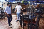 El alcalde de Barranquilla visitó algunos restaurantes.