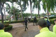 La Policía participó en el operativo para desmantelar la conexión ilegal del hotel.