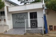 A la par de la aparición de estos letreros, también a los hogares de Marialabaja llegaron panfletos amenazantes de una presunta 'limpieza social'.