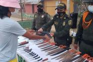 La comunidad entregó más de 170 armas