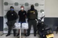Por el delito de tráfico de estupefacientes