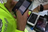 Cinco capturados por comercializar y alterar celulares robados en Ibagué