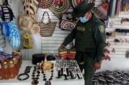 Incautación de artesanías de caparazón de tortugas carey