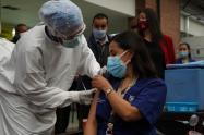 Primeros vacunados contra covid en Bogotá