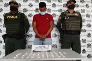 Le fueron halladas en su poder 70 dosis de base de coca lista para ser comercializada.