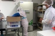 Con todo el protocolo de bioseguridad las autoridades de salud recibieron las vacunas en el Magdalena