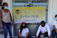 Protesta de madres comunitarias en el ICBF Atlántico