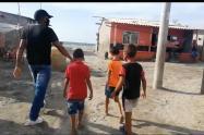 Las autoridades buscan frenar el contagio de covid-19, en zona rural de Puebloviejo.