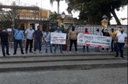 Miembros de la Unidad Nacional de Protección en Cartagena exigen garantías laborales