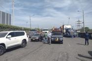 Camioneros retomaron protestas en Cartagena, por la negativa de levantar las talanqueras en los peajes