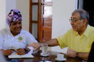 William Dau, alcalde de Cartagena junto a Cinthya Pérez Amador, ex primera dama del distrito
