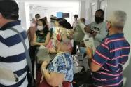 Denuncian aglomeraciones en punto de vacunación de Barranquilla.