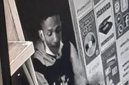 Delincuente quedó registrado en cámaras de seguridad.