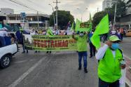Gremios, educadores, gobierno departamental salieron a marchar a las calles