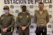 Alcalde de Pailitas Carlos Javier Toro con dos Uniformados