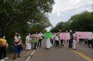 Comunidad Kankuama marchando por la desaparición de Bernabet y su hija