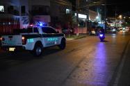 Delincuente resultó herido en intercambio de disparos con la policía en zona turística de Cartagena
