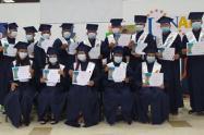 21 excombatientes en Bolívar se graduaron como bachilleres con ´Maestro Itinerante´