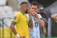 Lionel Messi y Neymar en duelo Brasil vs Argentina