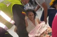 Las autoridades lograron rescatar a dos adultos mayores