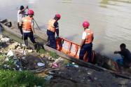 Retoman labores de búsqueda del cuerpo del joven arrastrado por un arroyo en Barranquilla